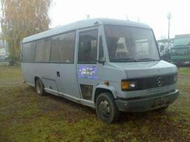 Mercedes-Benz 711, autobusai