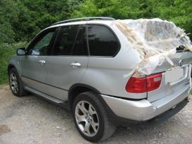 BMW X5. 3.0 i benzinas  automatas xenon zibintai sildoma