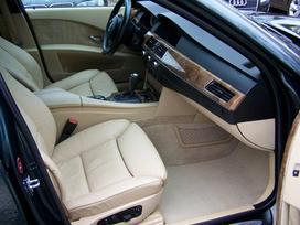 BMW 530. Bmw 530d komfortine kremine oda. didelis tv cd