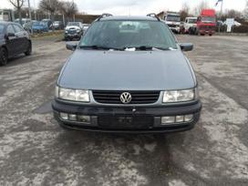 Volkswagen Passat. 1,9 dizel81kw  ir  1,8 mono 66kw benzinas