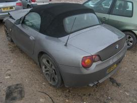 BMW Z3. Bmw z3 dalimis juoda oda r18 orginalus ratai nuimamas