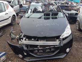 Peugeot 208 dalimis. Automobilis ardomas dalimis:  запасные част
