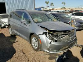 Chrysler Pacifica. Dirbame: