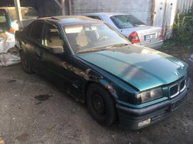 BMW 318. Dalimis.turime daug įvairių automobilių dalimis.geromis