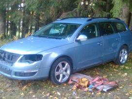 Volkswagen Passat. Masina dalimis, variklis geras, pilna