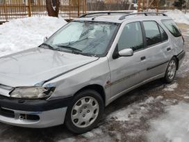Peugeot 306 dalimis. Turime ir daugiau įvairių markių automobilių