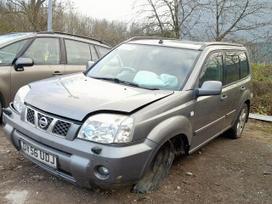 Nissan X-Trail. Naudotos įvairių markių ir modelių automobilių