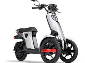 -Kita- -kita- 1200cc, motoroleriai / mopedai