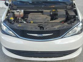 Chrysler Pacifica. Dirbame