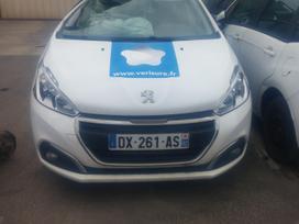 Peugeot 208. Is prancuzijos,visas dalimis europa ,navigacija su