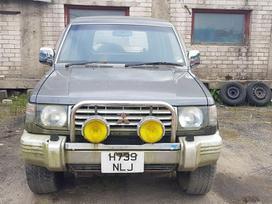 Mitsubishi Pajero dalimis. 12 metų stovėjęs, pravažiavęs 60 000