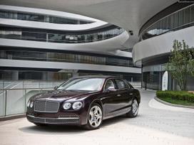 Bentley Flying Spur dalimis. Bentley naujos
