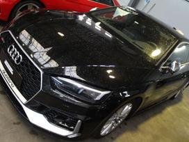 Audi Rs5. Automobilis dalimis