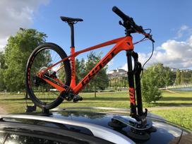 TreeFrog Model Pro 1 vakuuminis dviračio laikiklis ant stogo