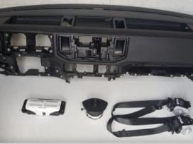 Volkswagen Crafter panelė, oro pagalvės, saugos diržai