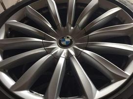 BMW 7 serija. Yra ir kitu daliu.