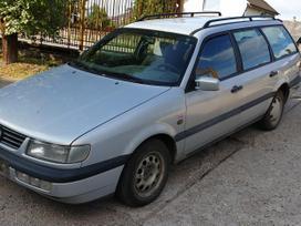 Volkswagen Passat dalimis. 1.6 benz. 74 kw.  skambinti i - v