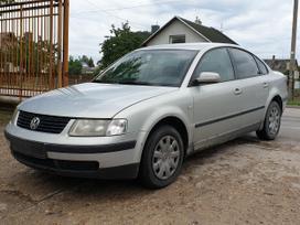 Volkswagen Passat. 1.9 tdi, 81 kw, kablys.  skambinti i - v