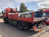 Scania P310 *HMF403 K2*, su kranu