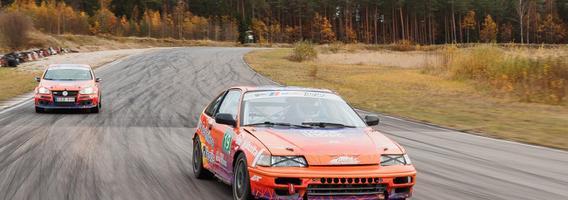 Kino teatruose pirmasis lietuviškas filmas apie autosportą