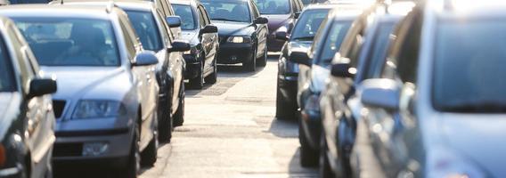 Naudotų automobilių pardavėjai Lietuvoje jau pajautė pirkėjų iš Ukrainos trūkumą