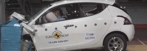 "9 automobiliai, kurie 2015-aisiais nesublizgėjo ""Euro NCAP"" bandymuose"