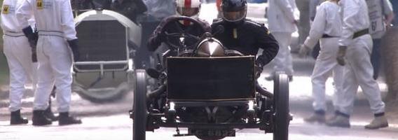 8 automobiliai, kurių varikliai kaip tankų