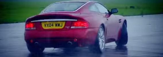 """Geriausi """"Top Gear"""" testai: britiški automobiliai"""